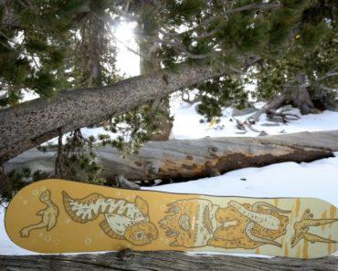 Niche Aether Snowboard with Raiju symbol